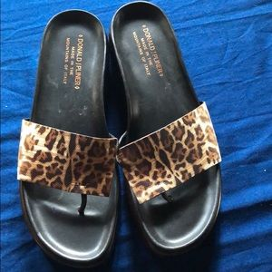 Donald J Pliner FIFI leopard thong slide 8 new
